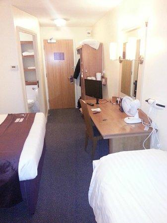 Premier Inn Lancaster Hotel: Room