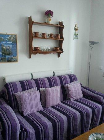 Cademandin Apartments: Il divano comodissimo