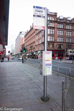Radisson Blu Hotel, Glasgow: Bushaltestelle