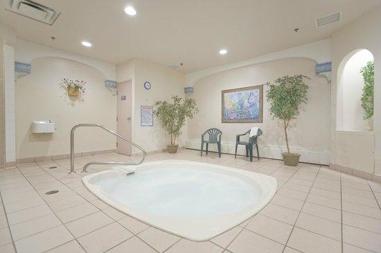 Sun Peaks Lodge: Wellness Area with Hot Tub, Sauna and Steam Room