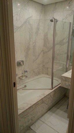 Hotel Majestic Roma: IL bagno