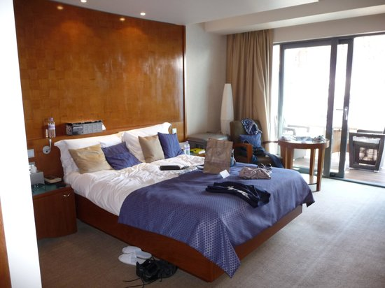 Royal Yacht Hotel: Our room