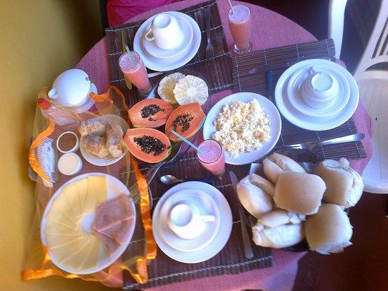 Pousada Caravelas: Desayuno diario