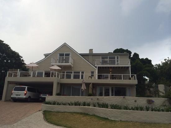Amanzi Island Lodge: The front of the Lodge