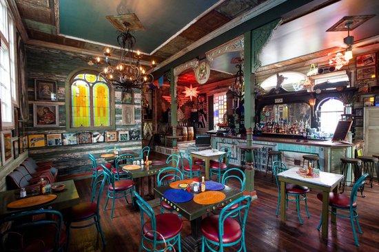 Casa Borrega: interior