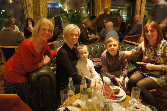 The Parkway Hotel & Spa: Family members at the party