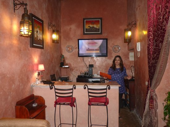 Riad Marlinea : salon bar reception