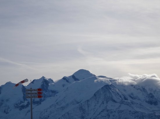 Maison La Cerisaie : View of Mont Blanc from the slopes
