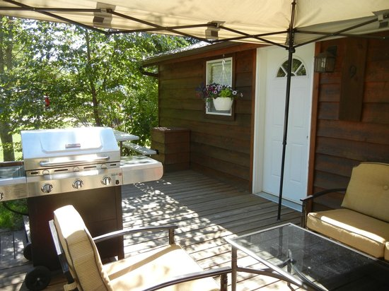 Blue Mountain Lodge: Cottage Deck