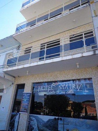 Jacobina: hotel e restaurante da matriz localizado na praça castro alves nª 175, praça da matriz.