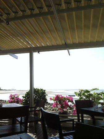 AVANI Sepang Goldcoast Resort: View from buffet rsetaurant for breakfast or dinner