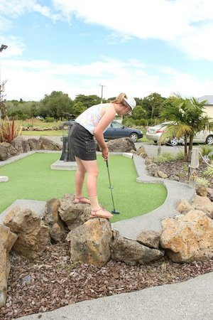 Keri-Putt : The winner shows off her trick shots