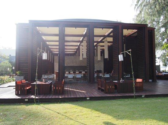 Costa Lanta: View of Restaurant/ Dining area & Bar..