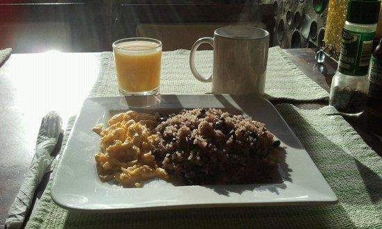 Camino Verde Bed & Breakfast Monteverde: Awesome breakfast