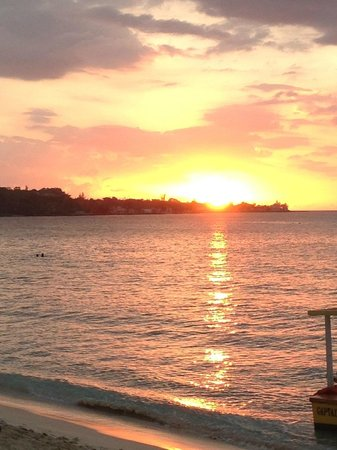 Travellers Beach Resort : sunset from the restaurant