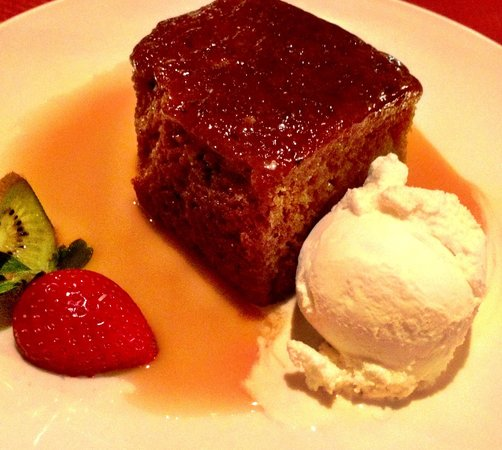 Ben Macduis Inn: Totally amazing sticky toffee pudding!!