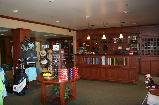 San Vicente Golf Resort: New Pro Shop new products to sell