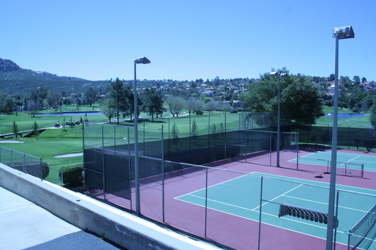 San Vicente Golf Resort: Complimentary tennis courts for our guests