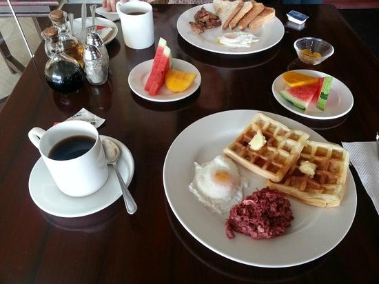 Dulcinea Hotel and Suites: Breakfast Set