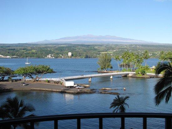 Castle Hilo Hawaiian Hotel: View from 5th floor balcony
