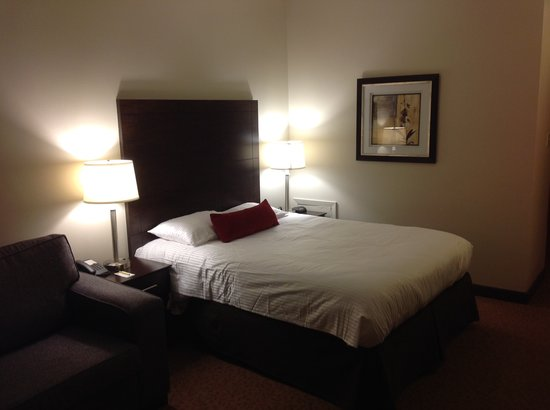 Super 8 Sarnia ON: New Bedding and Lighting