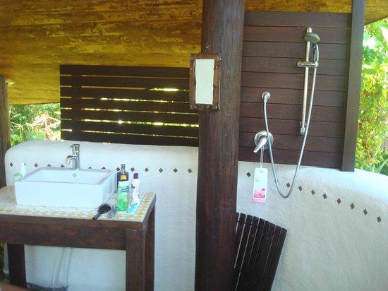 Pah Road : Straw Bale - Open Air  Bathroom