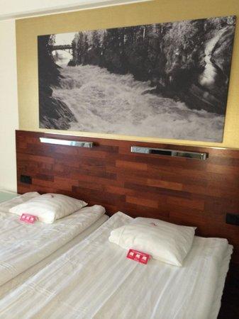 Scandic Imatran Valtionhotelli: В номере фотографии с видами на дамбу
