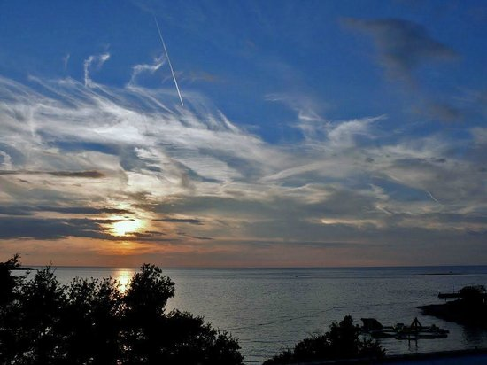 Hotel Plavi: Zelena Laguna - sunset - view from promenade