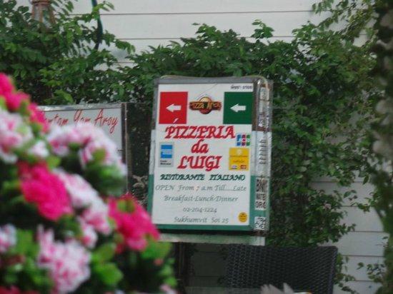 Pizzeria Luigi: Pizzeria Da Luigi Restaurant  |  Soi Sukhumwit 25 Lane, Sukhumwit Rd
