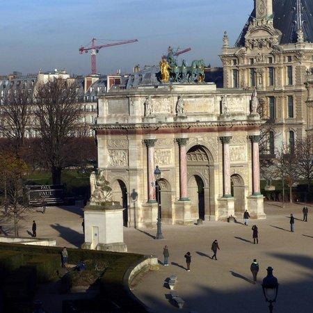 Triumphal Way (Voie Triomphale): Arc de Triomphe du Carrousel along Triumphal Way