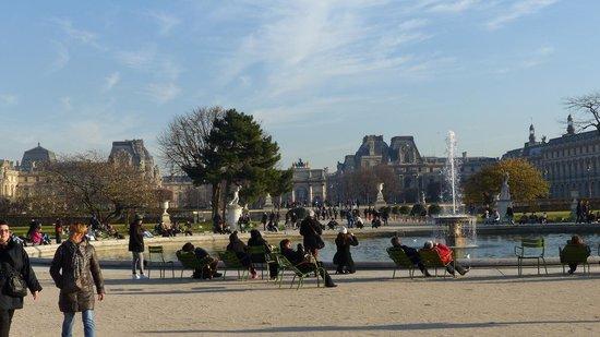 Triumphal Way (Voie Triomphale): Jardin des Tuileries on the Voie Triophale