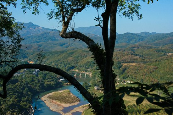 Xishuangbanna Tropical Nature reserve: View of the Mekong from Green Stone Forest