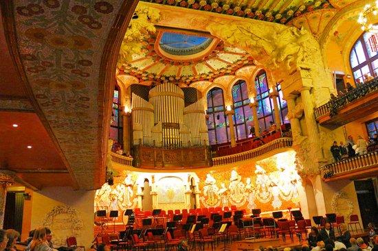 Palais de la Musique Catalane (Palau de la Musica Catalana) : アールヌーボー建築の美しい音楽ホール