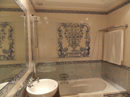 Suites Alba Resort & Spa : Номер - ванная, плитка