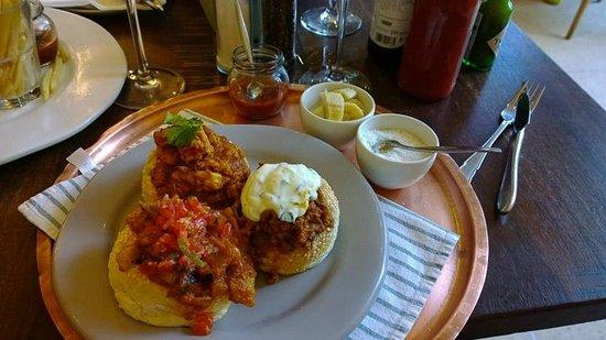Tashas : curry meal