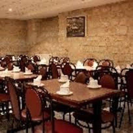 Est Hotel Paris: sala colazione