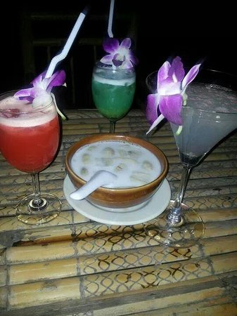 Mandalay Bar Kohchang: Cocktail taste so good also the dessert really delicious feels like heaven.