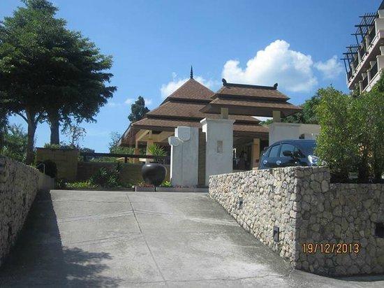 Aonang Cliff Beach Resort: Hotel Lobby