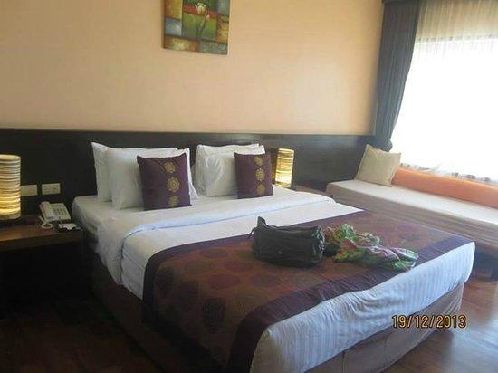 Aonang Cliff Beach Resort: Room
