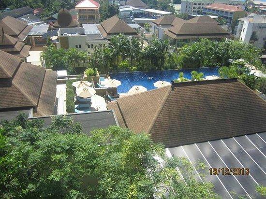 Aonang Cliff Beach Resort : Pool View
