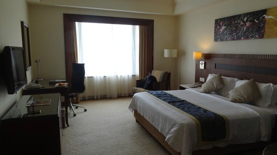 One World Hotel : the room