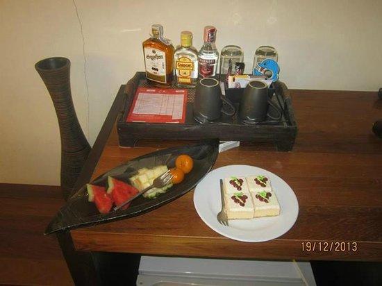 Aonang Cliff Beach Resort : Anniversary treat from the hotel.