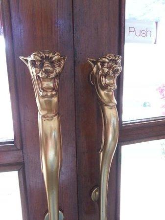 Evershine Keys Prima Resort: Ornate Door Handles