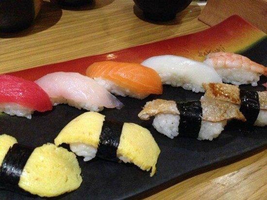 Takumi Japanese Restaurant : sushi