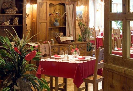 Hotel le Petit Dru: RESTAURANT
