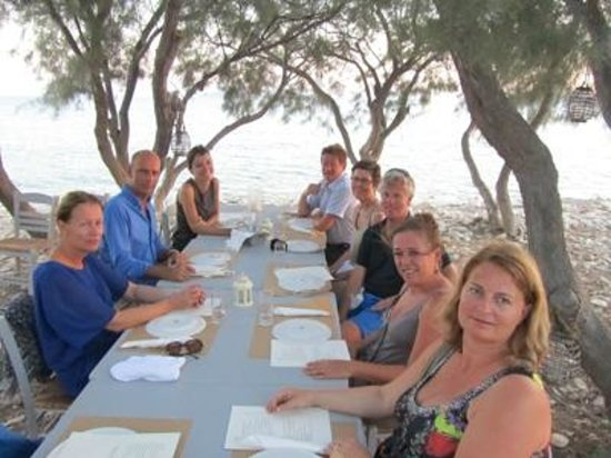Aliki Yoga School: Group dinner at Thalassa Mou