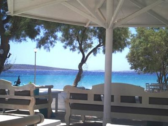 Aliki Yoga School: Thalassa Mou, one of the best restaurants of Paros, on the most beautiful location.
