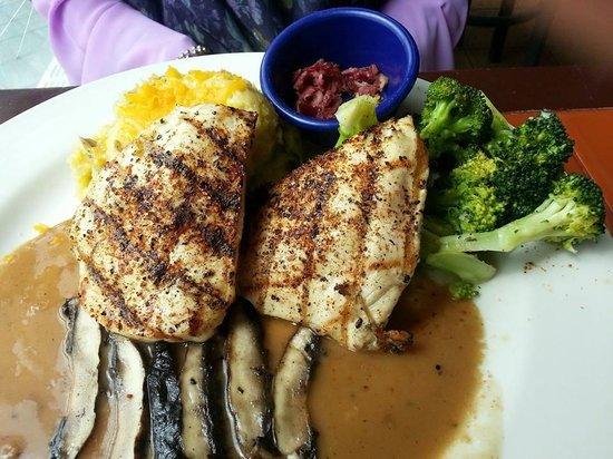 KLCC Chili's Grill & Bar : Fire-grilled Chicken and Portobello