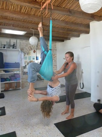 Aliki Yoga School: Helping with the upside down