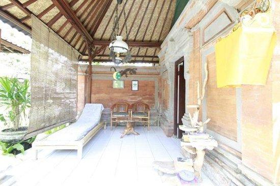 Citrus Tree Villas - Shana: terrace